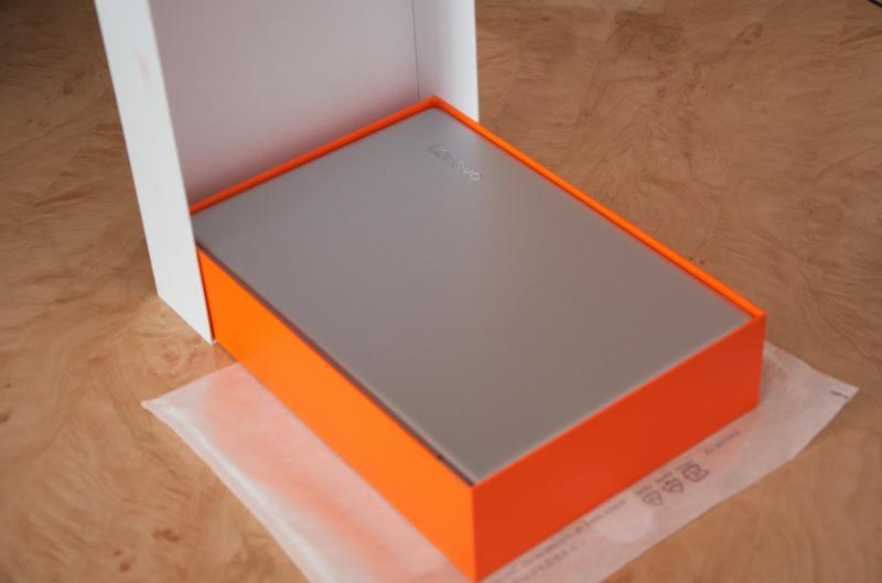 03020-open_box