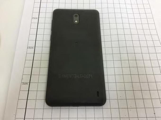 Nokia 2 - тилова сторона