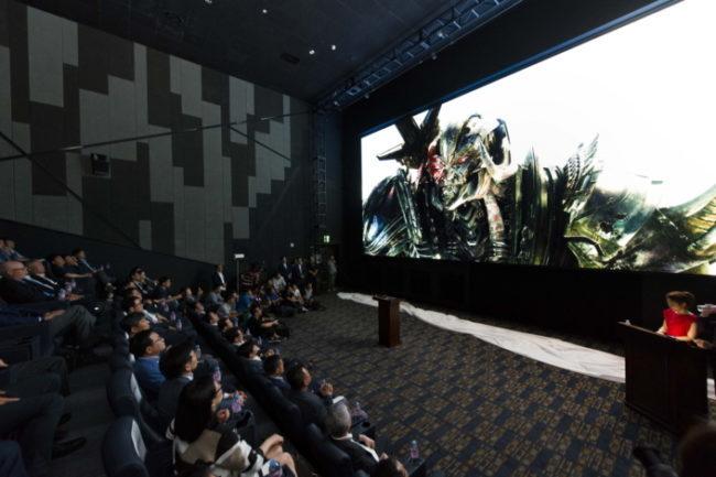 Голлівудські режисери проти світлодіодних екранів
