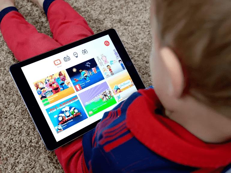 Спеціальні табори вчать дітей бути блогерами на YouTube