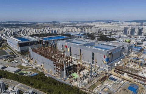 Samsung будує нову лінію