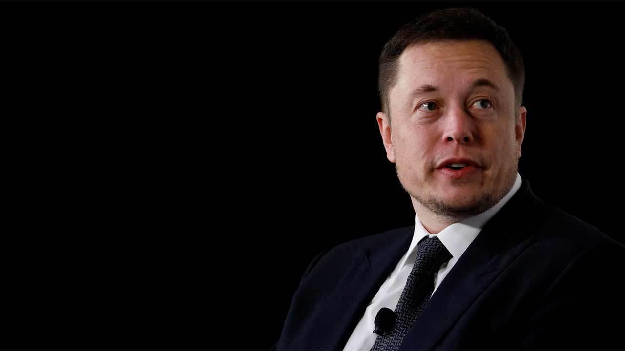 Tesla Ілон Маск