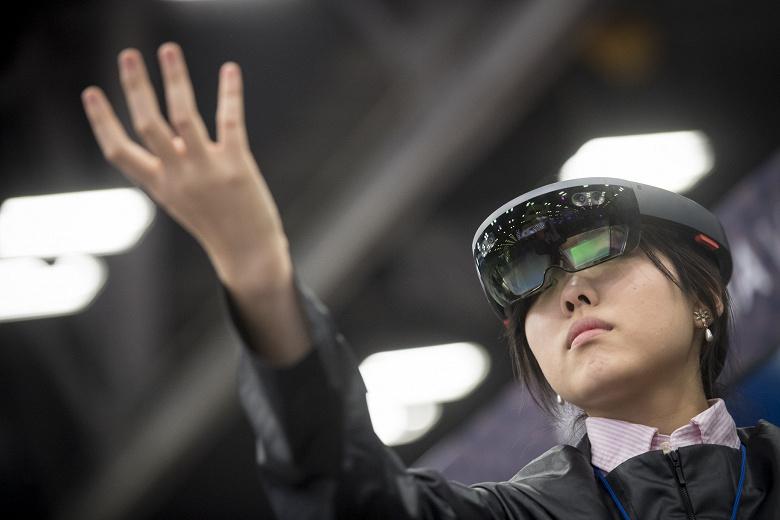 Гарнітуру Microsoft HoloLens 2 можуть представити на MWC 2019