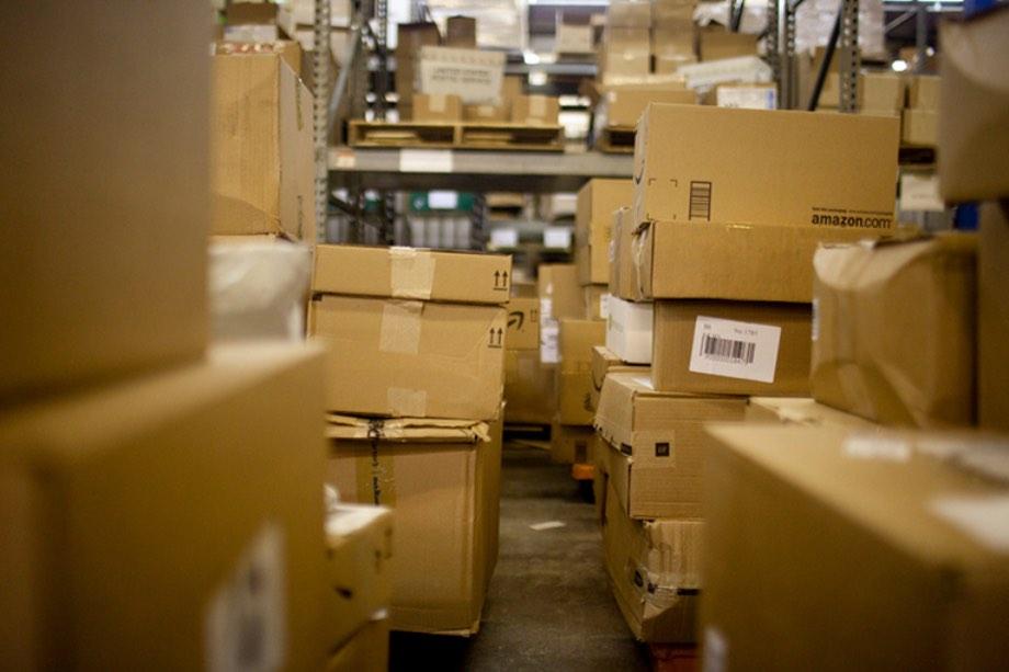 В Україні починають діяти нові правила ввезення посилок