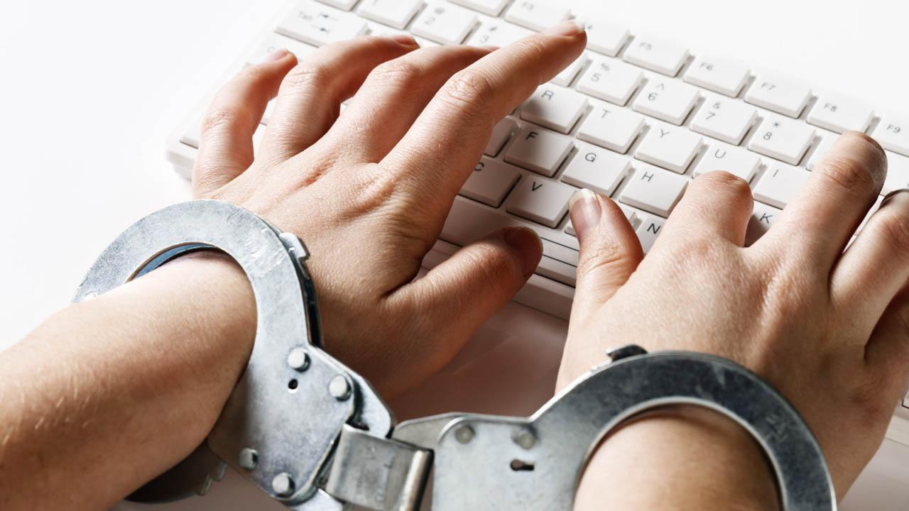 онлайн-інструменти протидії домашньому насильству