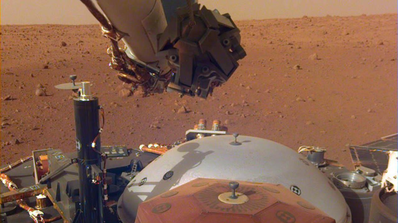 InSight вперше записав звуки марсіанського вітру