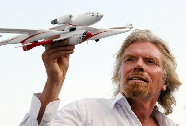 Virgin Galactic першою відправить людей у космос