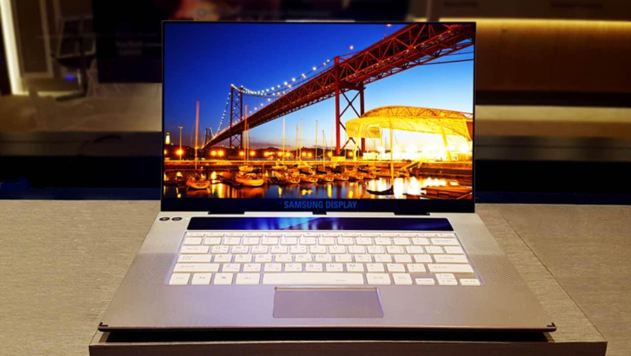 Samsung розробив 15.6'' 4K OLED-екран для ноутбука