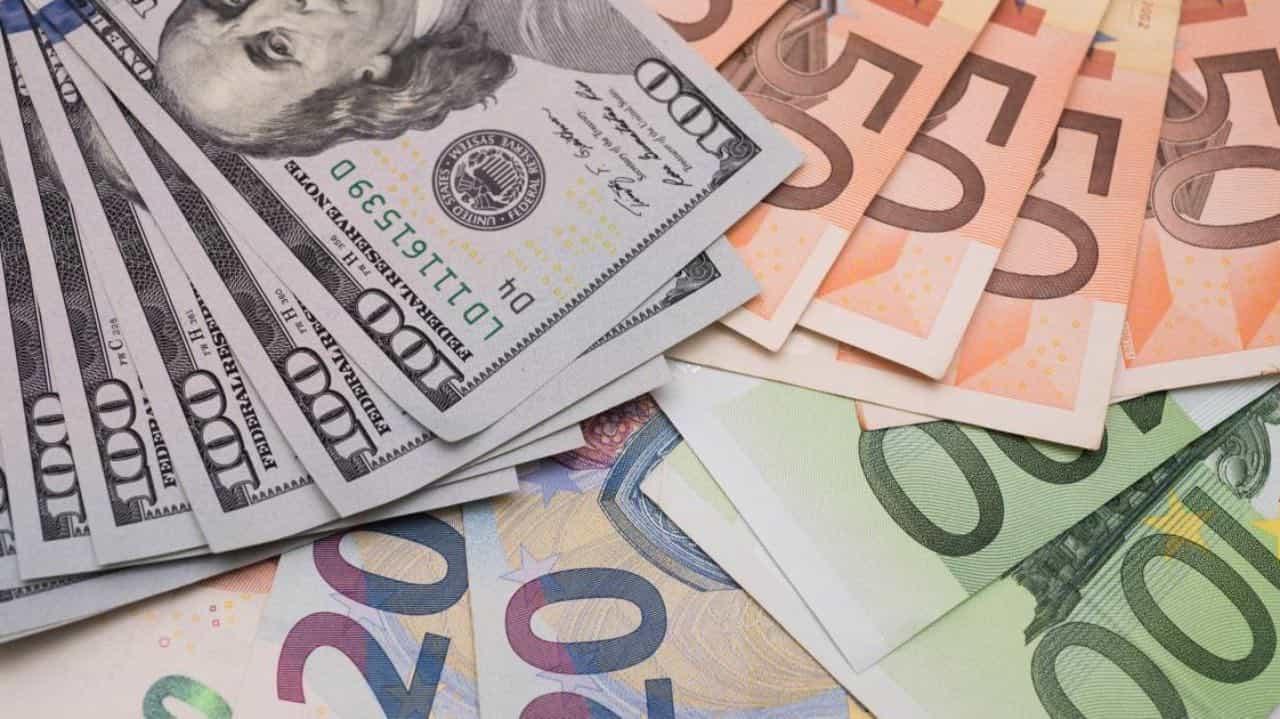 ПриватБанк запустив послугу онлайн-обміну валюти