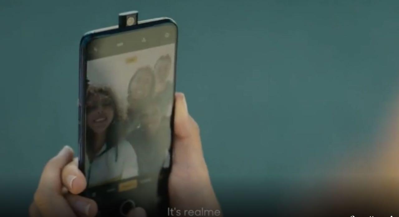 Realme X: компанія готує трендовий смартфон