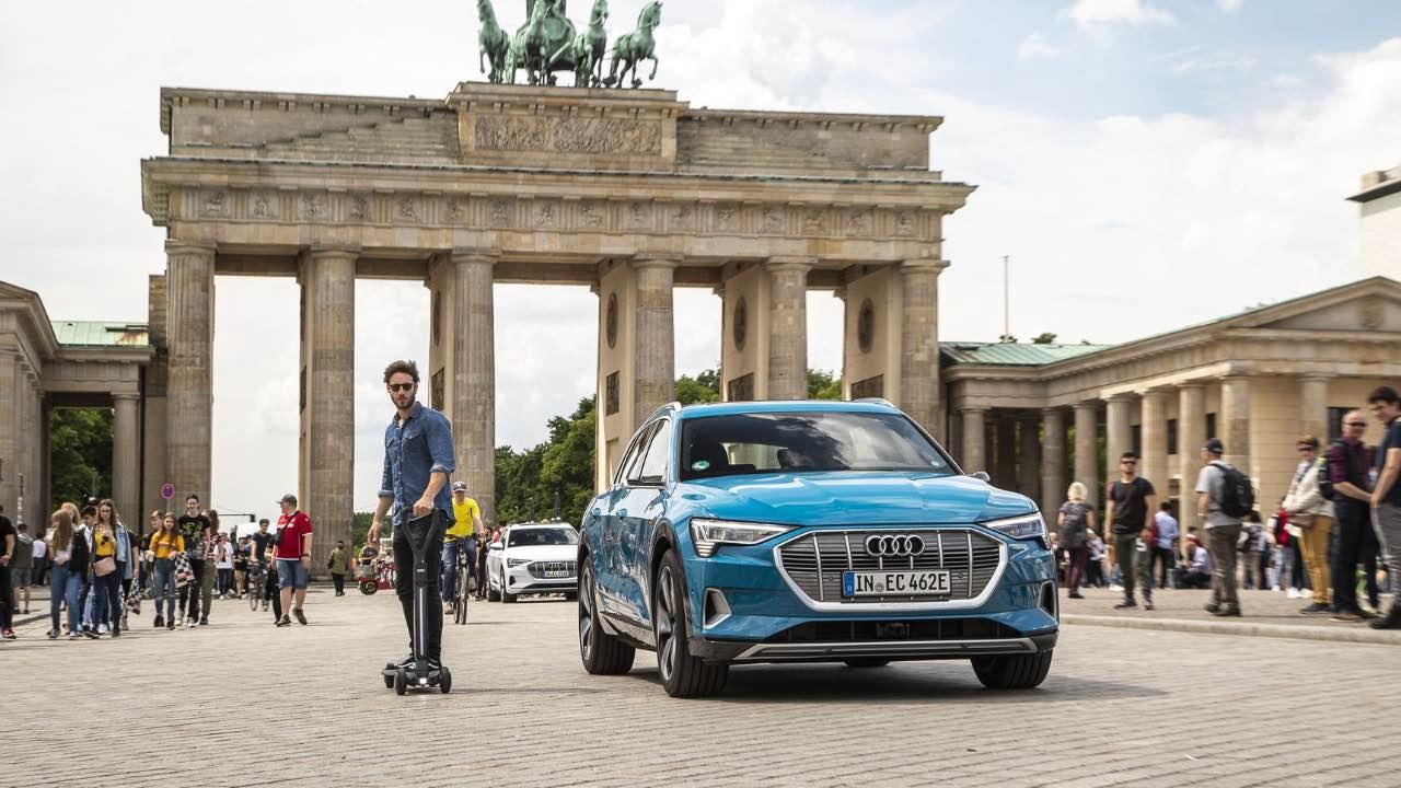 Audi представила гібрид самоката і скейтборду E-tron за € 2 тис.