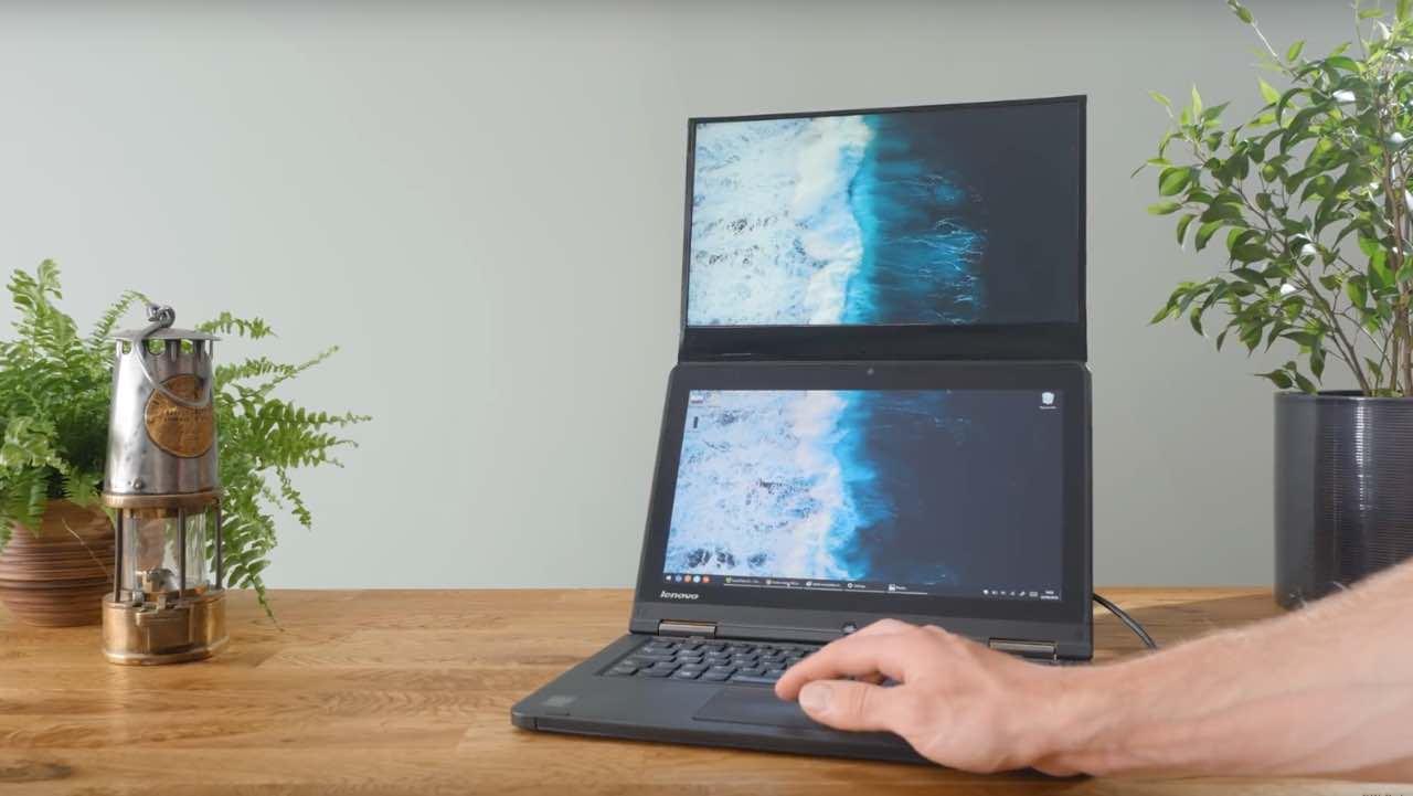 YouTube-блогер створив свій власний двоекранний ноутбук