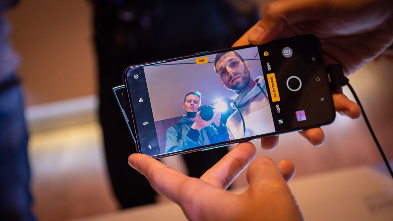 Смартфони OPPO Reno скоро отримають Android 10