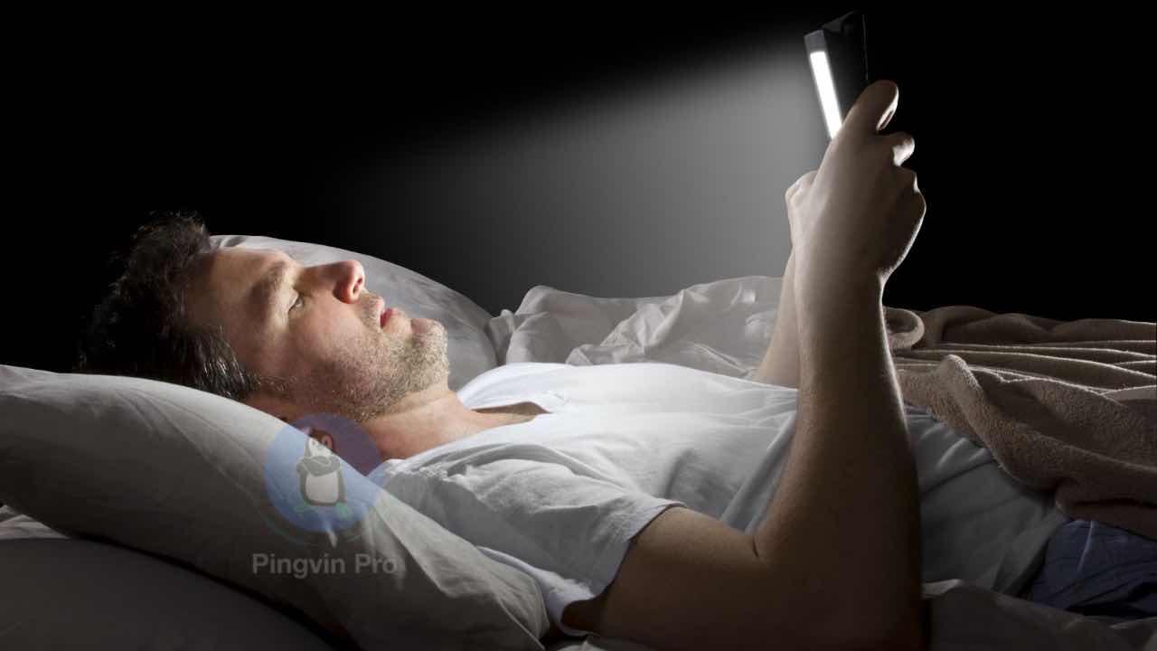 Синє світло смартфонів може серйозно нашкодити людям