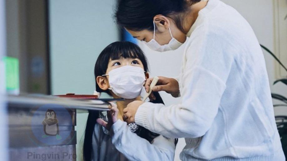 Посилки з Китаю можуть містити коронавірус, але не всі
