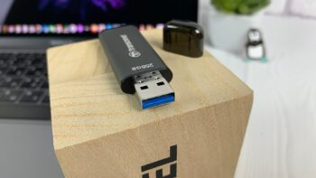 Transcend JetFlash 920 - USB-флешка - USB 3.2 Gen 1