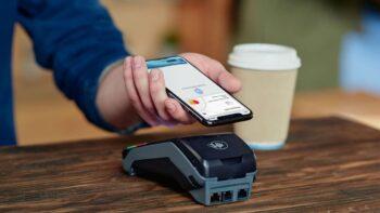 Покоління Z або зумери обирають оплату з NFC